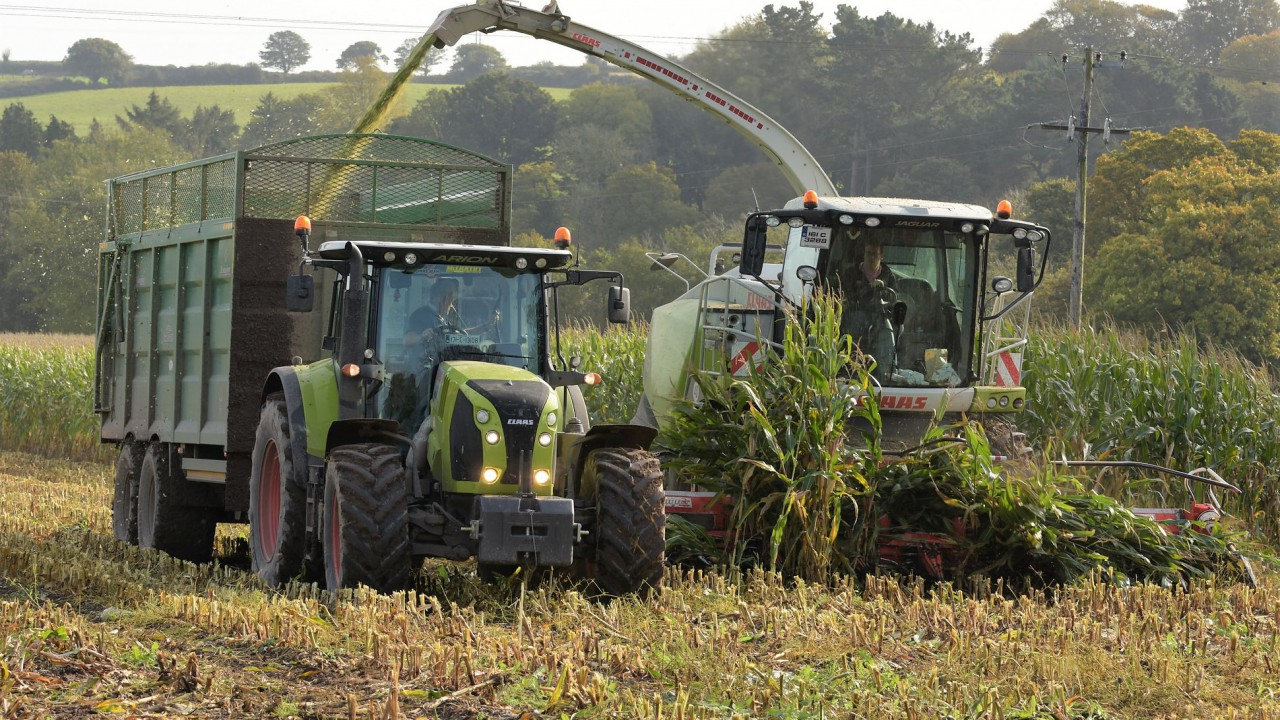 'Concept' controls point to interior of next-generation farm machinery