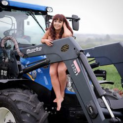 Pics: Tractor Girls bare all in calendar for brave Billy