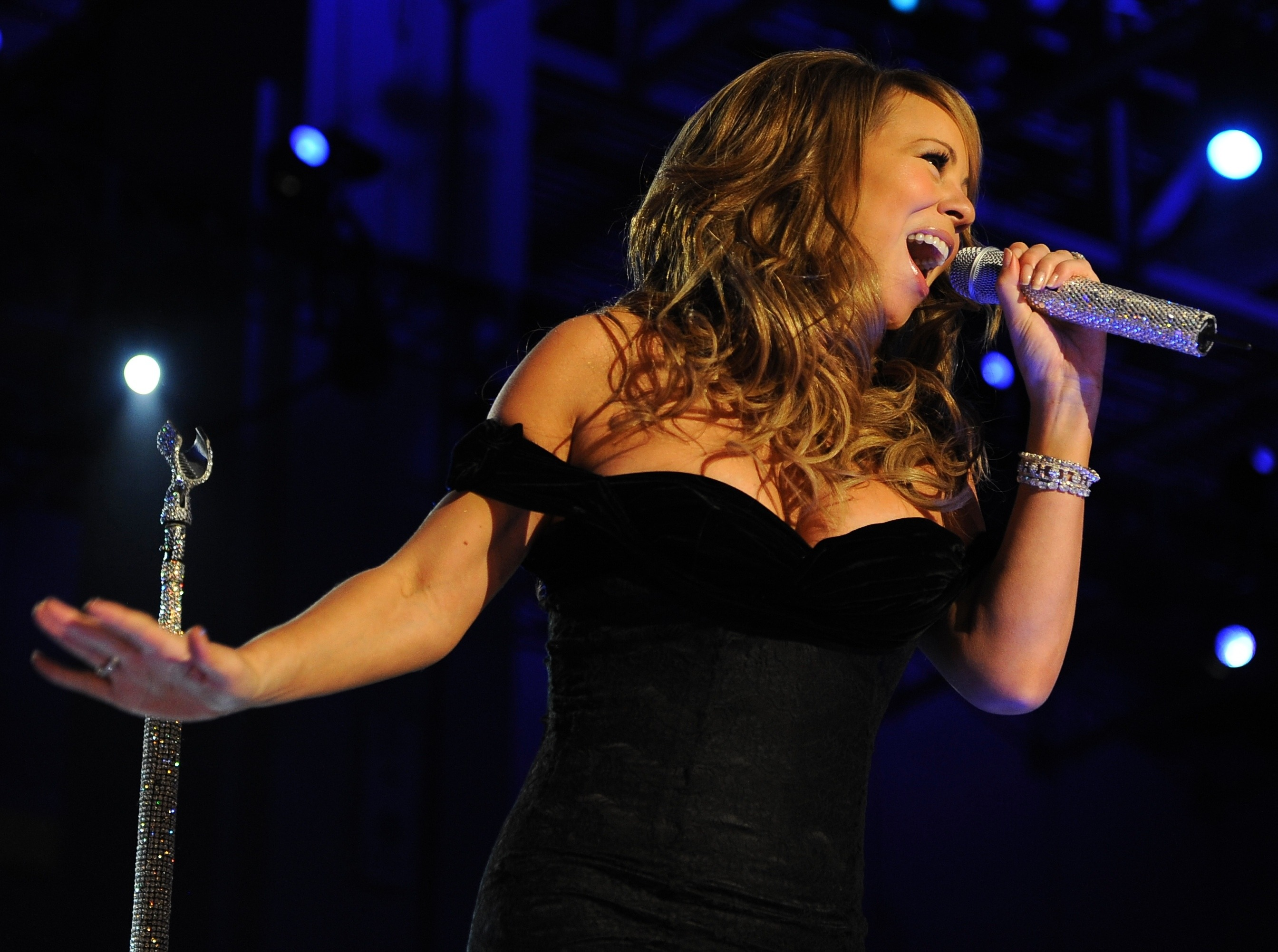 Mariah Carey All I Want For Christmas Mic Feed.11 Christmas Song Titles Taken Literally By Irish Farmers