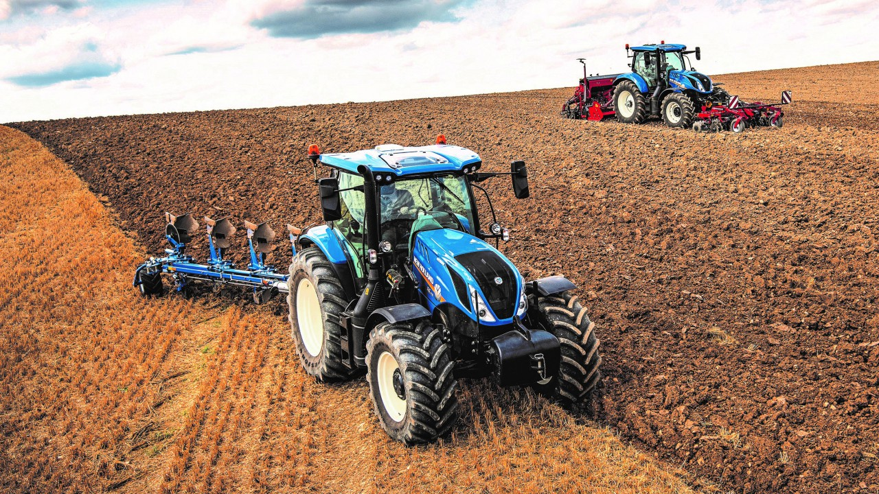 New Holland's 8-speed, double-clutch gearbox wins big