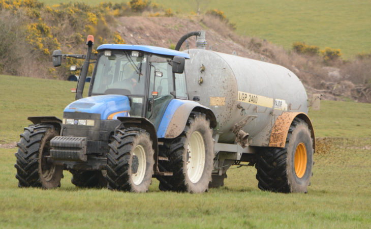 Minister called on to extend slurry spreading period