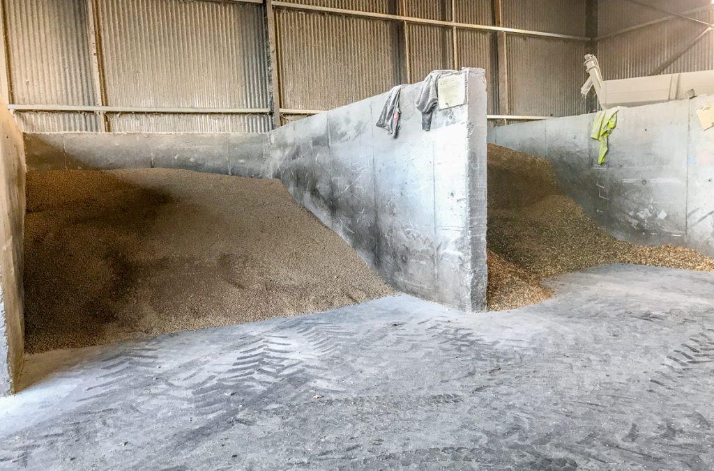 farm feeds