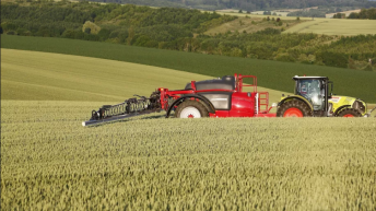 EU pesticide review 'in danger of being overly politicised'