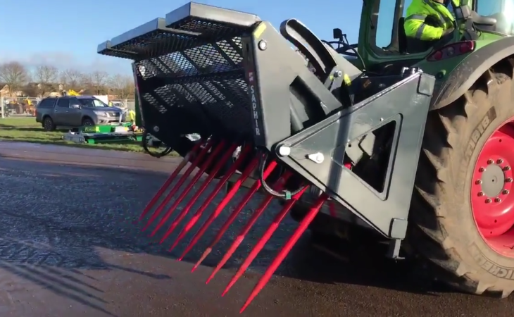 A buck-rake with a 'twist': Is this the ultimate silage fork?
