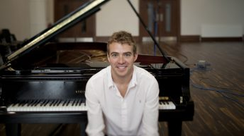 Farming concert pianist hits a high note