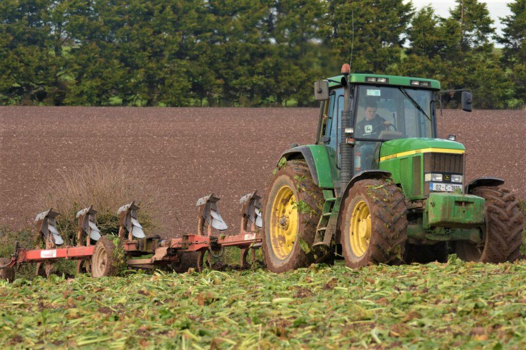 ploughing, John Deere, Contractor