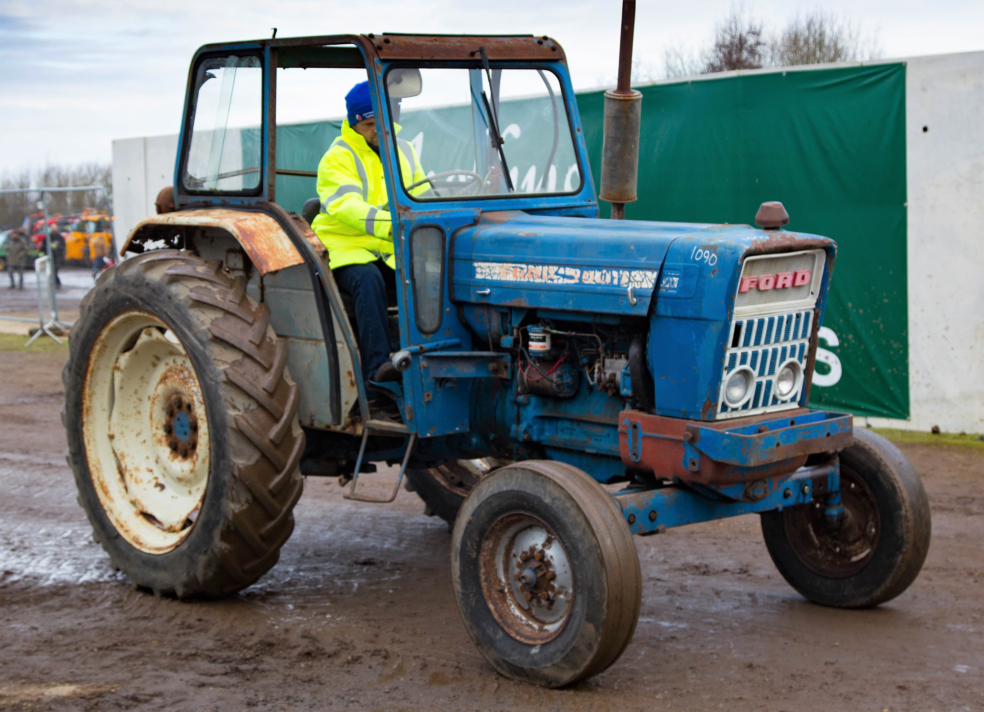 auction report blue bargains at february s cambridge tractor sale