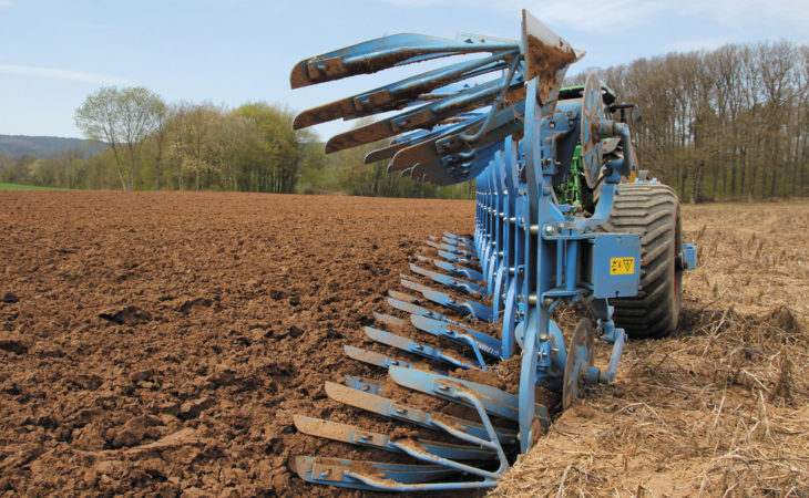 Want to try out the Lemken plough that sets itself?