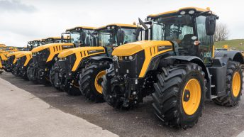 Auction report: Fleet of 'fresh' Fastracs dispersed by JCB