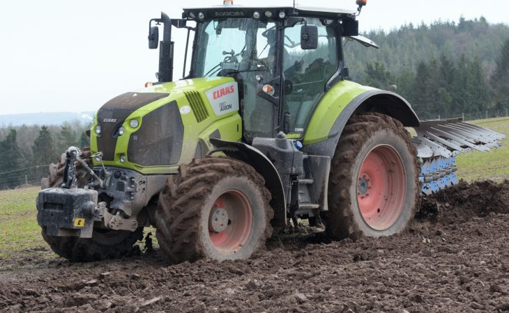 Top tips for safely maintaining your tractor
