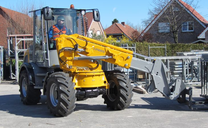 'Paus' for thought…with this 'double-jointed' loader