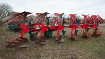 Auction report: Tillage kit aplenty at contractor's dispersal sale