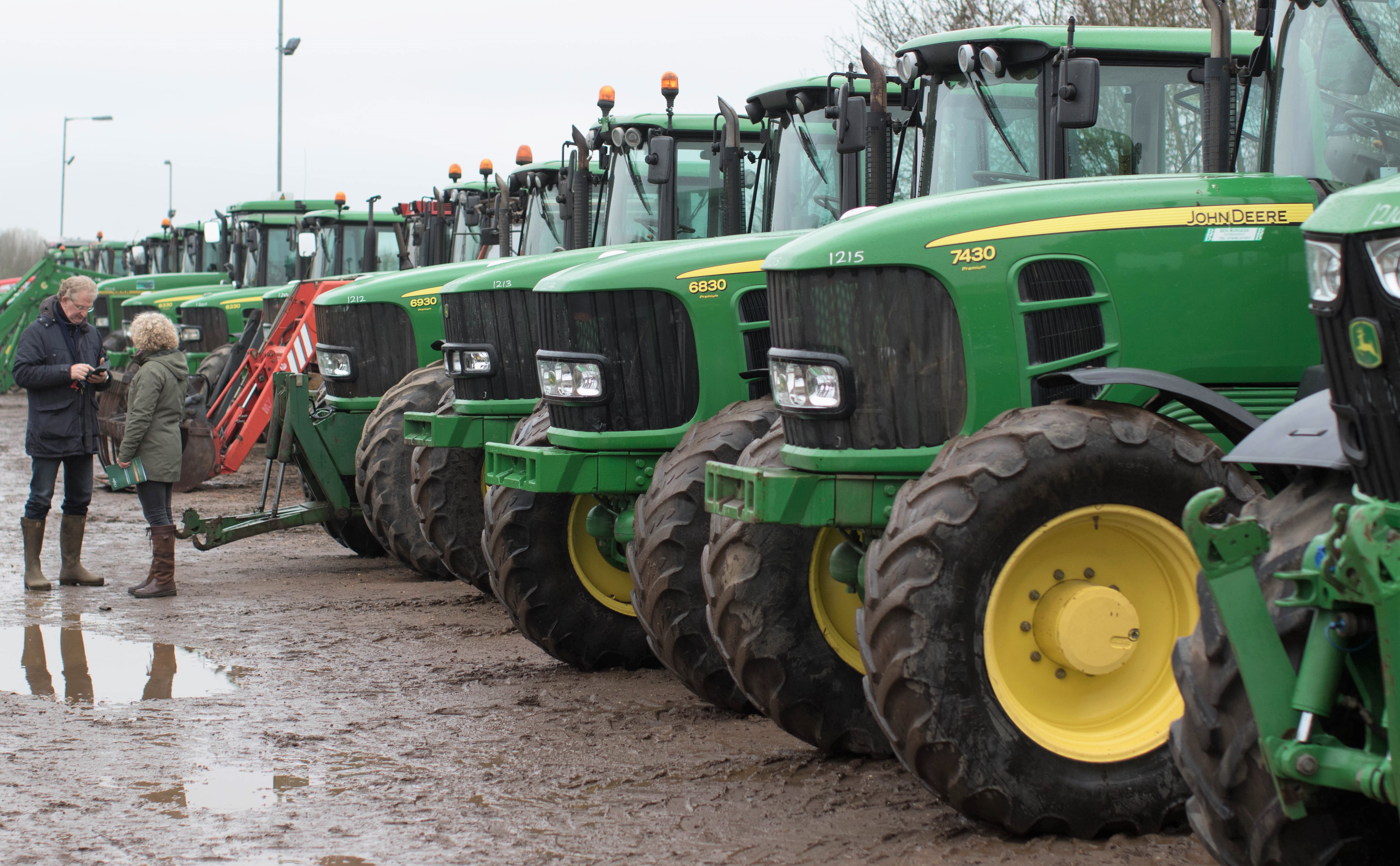 Auction report: 'Green' bargains at monster April tractor