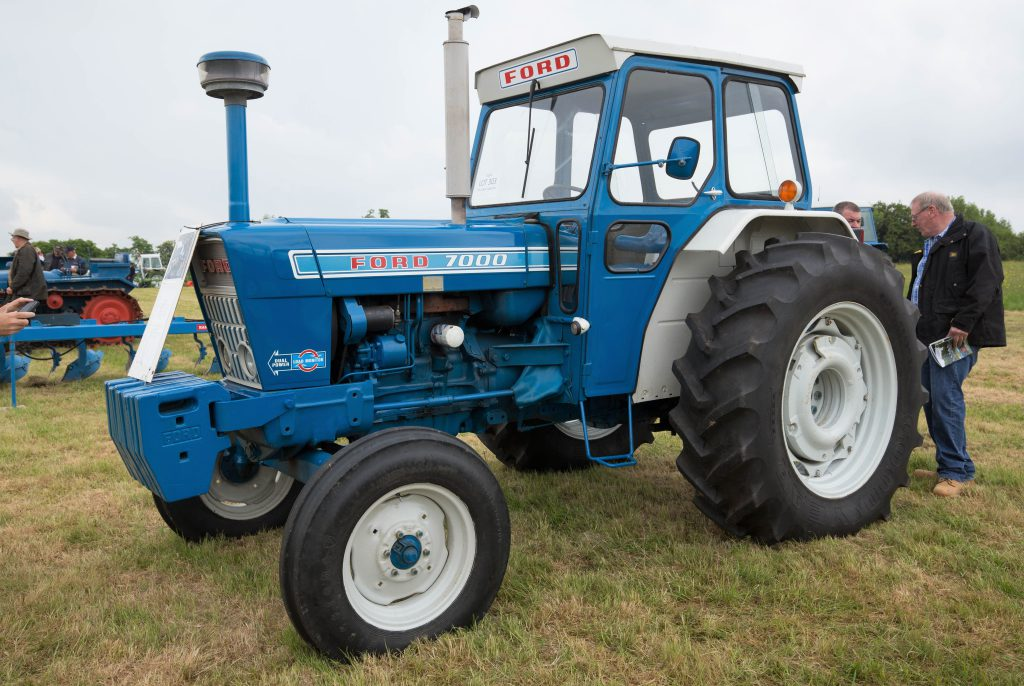 how much did this ford 7000 in fine fettle fetch at auction. Black Bedroom Furniture Sets. Home Design Ideas