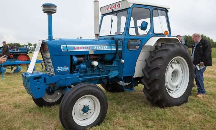 How much did this Ford 7000 – in fine fettle – fetch at auction?