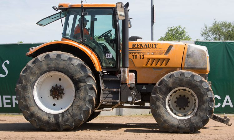 Auction report: 'Best of the rest' at monster May tractor sale