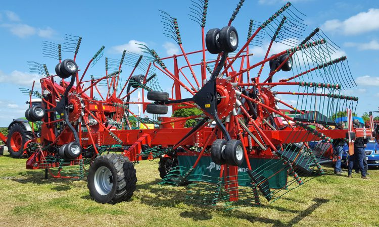 Grass & Muck: Giant rake that 'does the thinking for you'