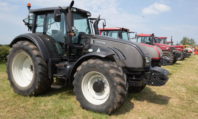 Auction report: Modern Valtra or 'old-school' Case IH…take your pick