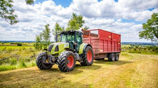 Contractors: Key daily tractor checks for silage season