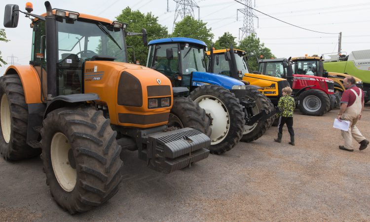 Auction report: From a tracked Lexion to a compact runabout