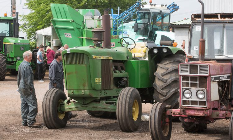 Auction report: Deere 5020 pulls the punters; what did it make?