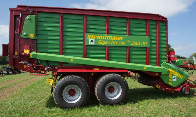 Auction report: Brisk bidding for contractor-spec silage machinery
