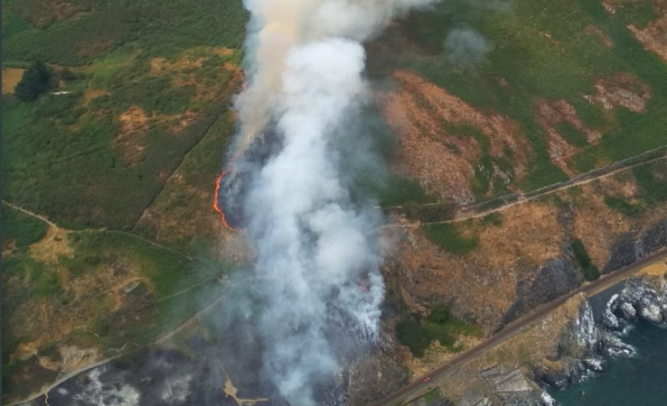 Fire threats sweep the country once more