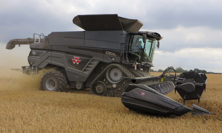 'Master-class' for new IDEAL combine with 6 dealers in England