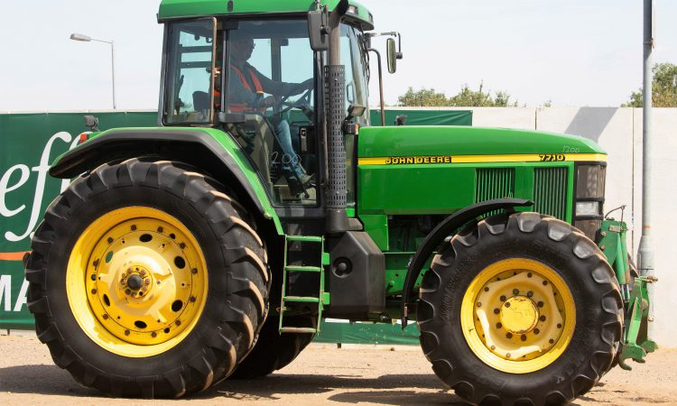 Auction report: John Deere highlights from latest Cambridge sale