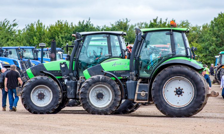 Auctioneer at massive monthly machinery sale 'moves up'