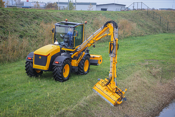 New Dutch 'systems tractor' has all the kit; will it sell?