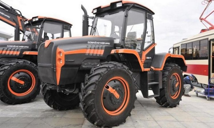Was this Russia's answer to the JCB Fastrac?