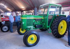 Auction report: Collectors bid briskly for classic icons