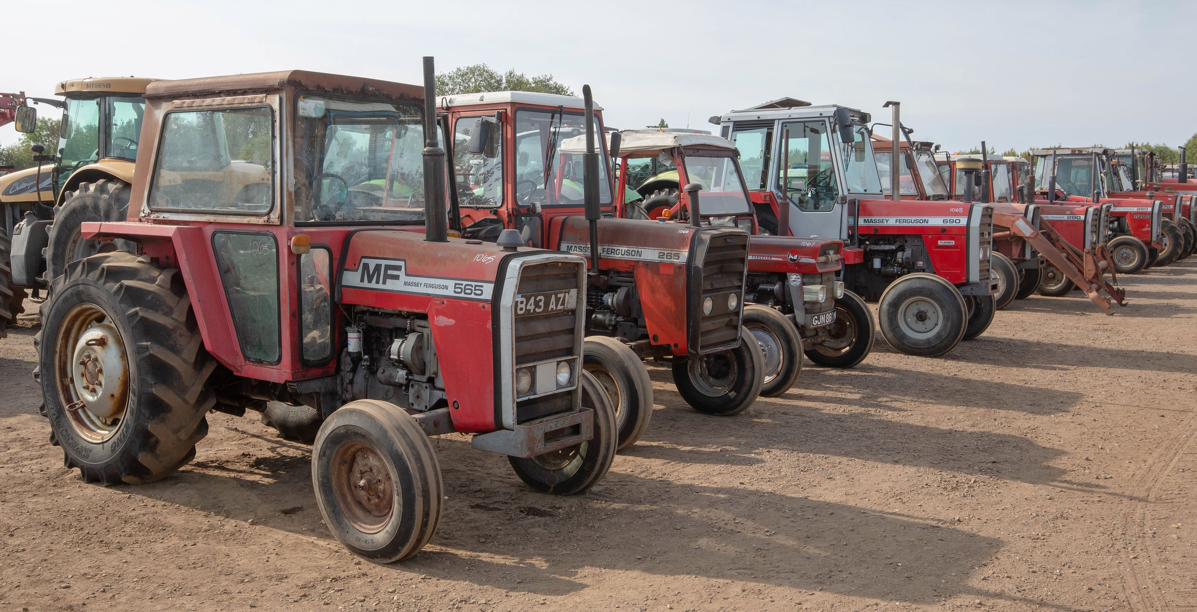 Auction report 1980s MF workhorses under the hammer Agriland