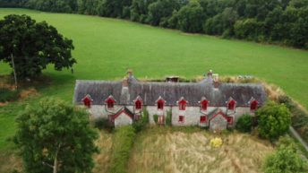 180ac and 4 cottages on the market in Durrow