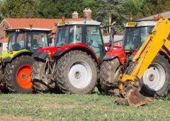 Auction report: MF and Claas tractors, plus a Lexion, under the hammer