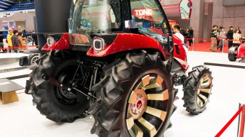 Drive your tractor with a tablet – manned or unmanned