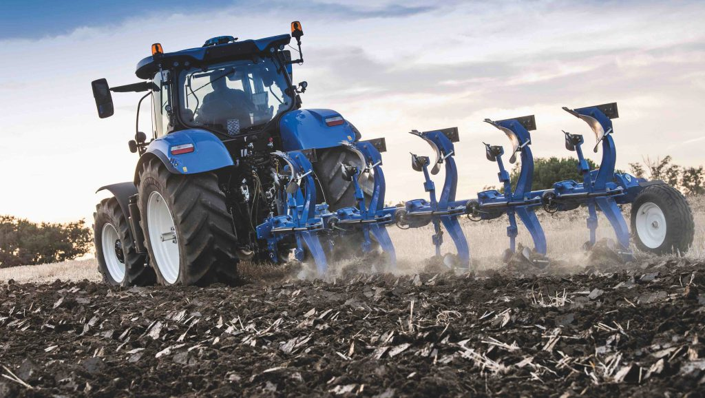 New Holland's 'blue' ploughs break ground across Europe - Agriland ie