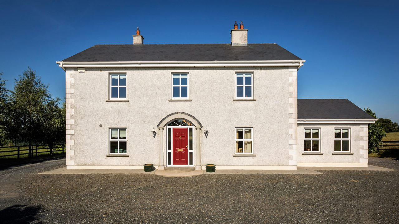 'Desirable family home' and a block of five stables on 11ac