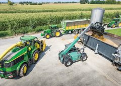 Flagship 970hp John Deere forager on the cusp on its public debut