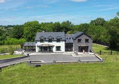 Video: Pristine family home on circa 18ac with equestrian facilities