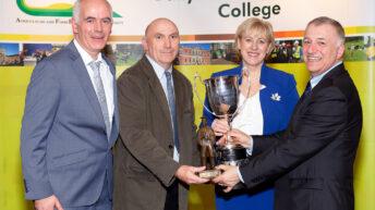 700多名学生毕业Ballyhaise大学