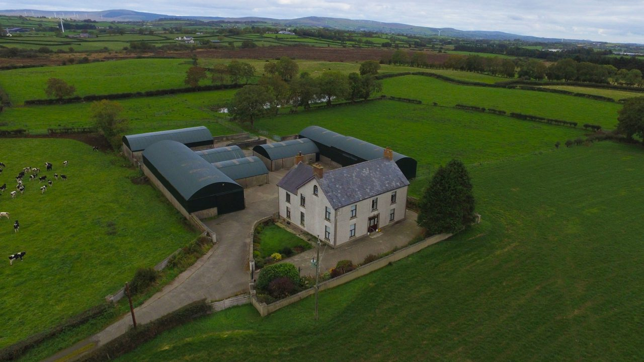 Extensive 98ac residential farm with well-maintained outbuildings