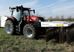 Case IH keeps weeds in check – with electricity instead of chemicals