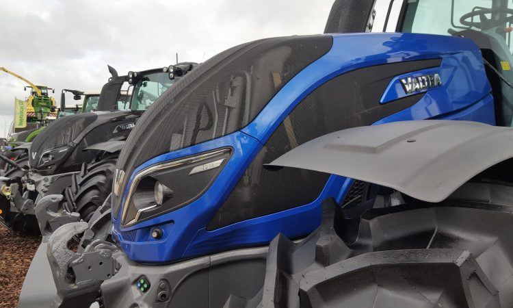 What size tractors are Irish farmers and contractors buying?