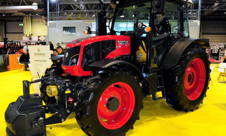 LAMMA 2019: ArmaTrac moves up to 125hp