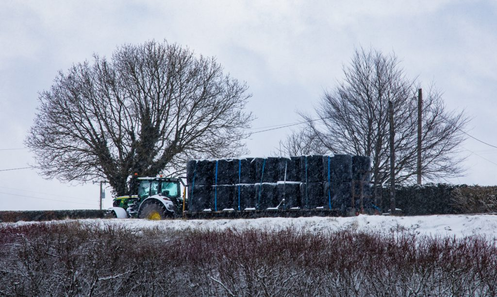 Met Éireann issues snow/ice weather warning for six counties