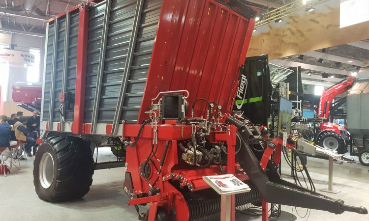 SIMA 2019: Fliegl hits France with its 'unload-on-the-move' wagon