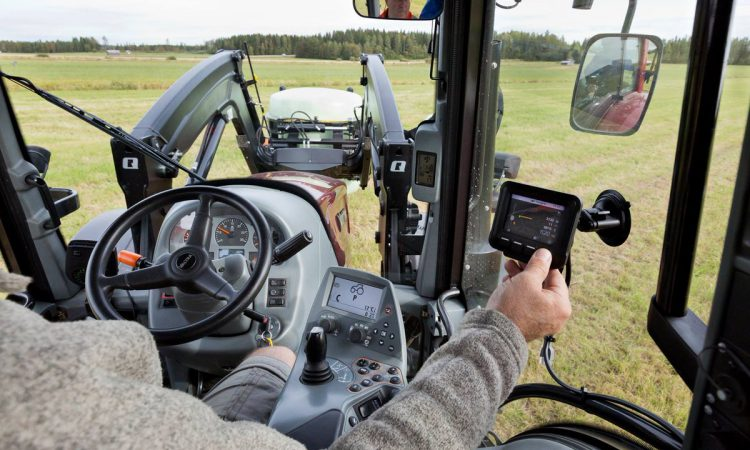 Retro-fit Quicke system lets older loaders weigh and remember
