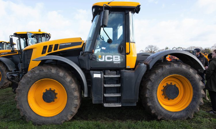 Auction report: Eyeing up a tractor bargain like a 'hawk'?